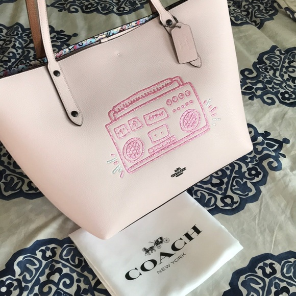 e08fb67157 Coach Keith Haring Boombox Market Tote Pink Ice